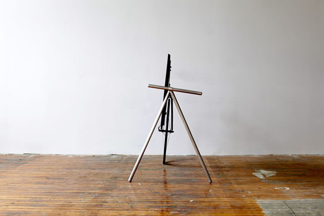 Unique Portable TV Stand by Taylor Levy and Che-Wei Wang (6)