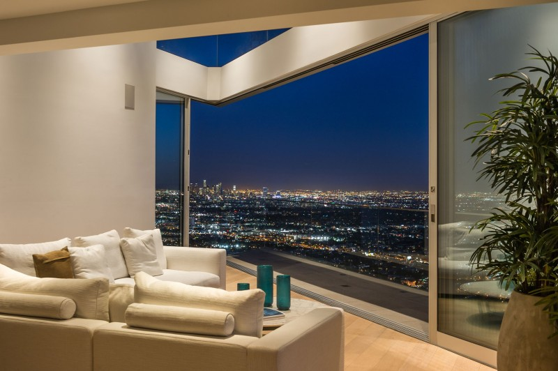 Living Room with view, Amazing Views from 8320 Grand View Drive (18)