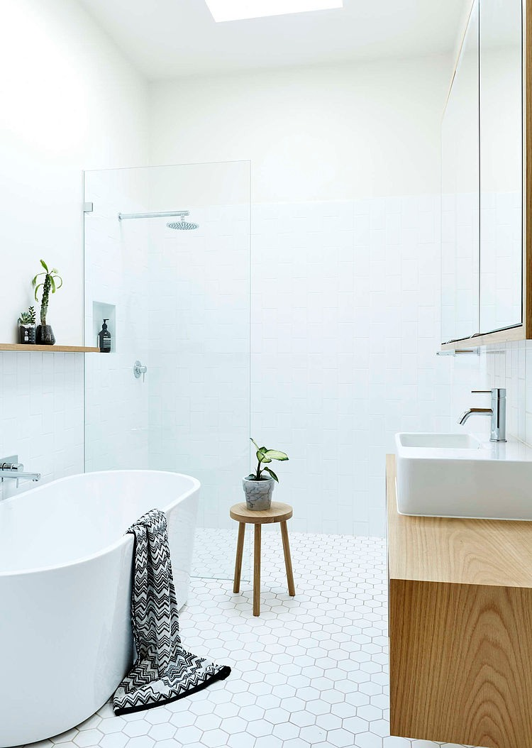 White Bathroom, Neutral Bay House by Downie North Architects