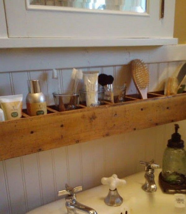 DIY Pallet Wood Bathroom Storage