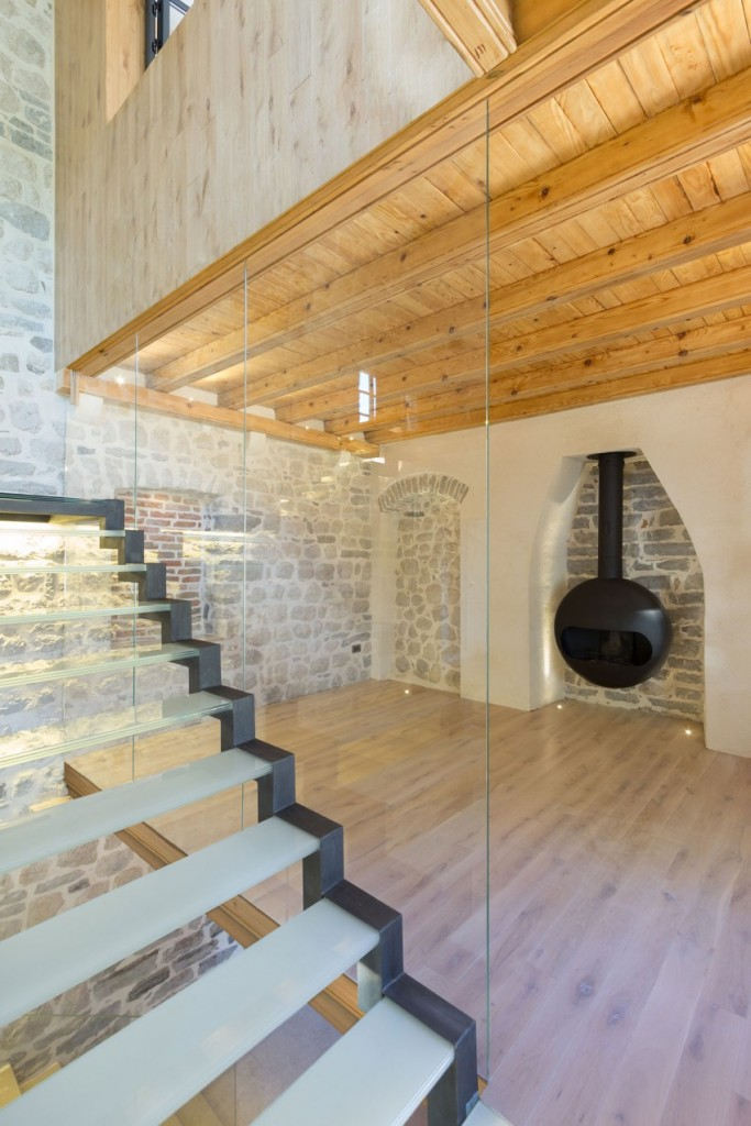 Beautiful staircases, Reconstruction of a Villa in Ljuta by Enforma Studio