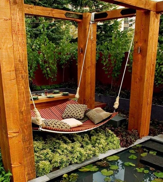 You can build an amazing hammock swing