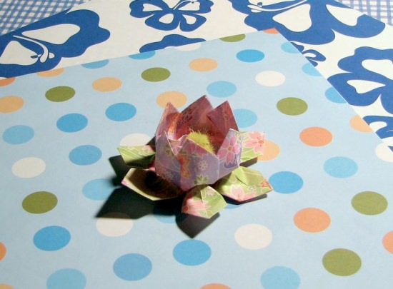 Great Tutorial About How To Make Beautiful Paper Flowers