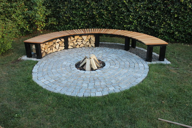 DIY Fire Pit Ideas, DIY Garden Fireplace With Bench