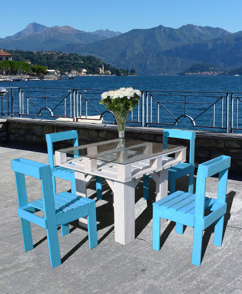 DIY Pallet proejcts That Are Easy to Make and Sell ! DIY Pallet Dining Table and Blue Chair