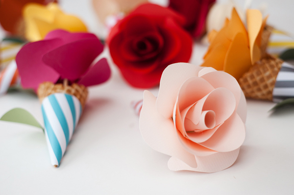 40+ DIY Paper Flower Tutorials You Must See