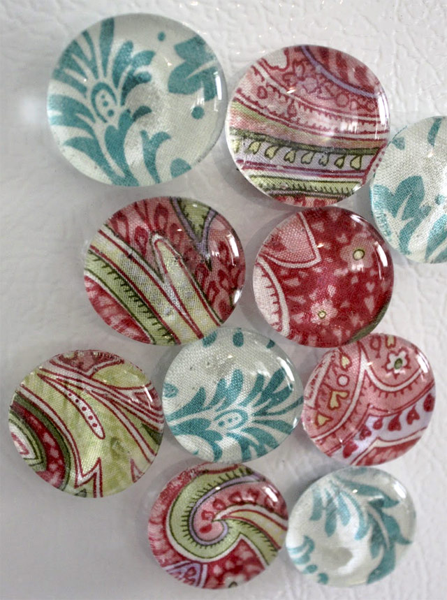 DIY Glass Fabric Refrigerator Magnets