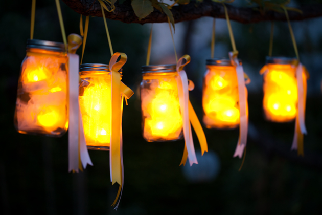 35 amazing diy outdoor lighting ideas for the garden lemonade love lanterns mozeypictures Images