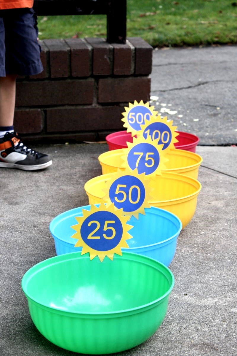 Simple Bean Bag Toss Game, DIY Backyard Games Perfect For Summer