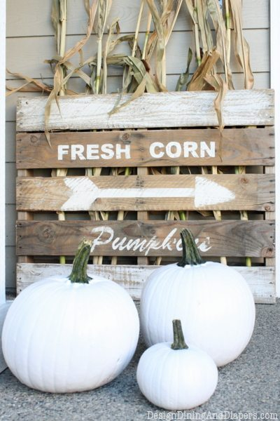 DIY Farmhouse Pallet Signs