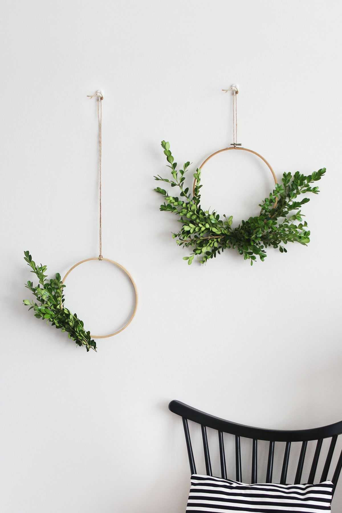 30+ Best DIY Wall Art Projects For Your Home, Simple Foliage Wreaths