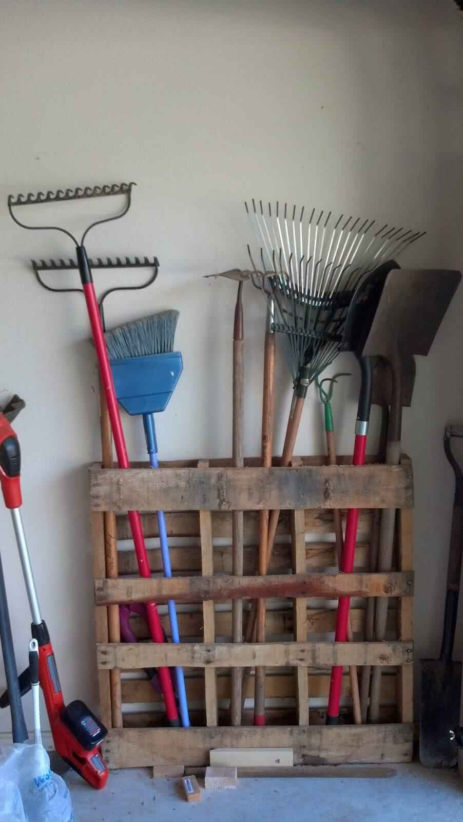 30+ BEST Garage Organization and Storage Ideas, Pallet Storage for Garage Tools