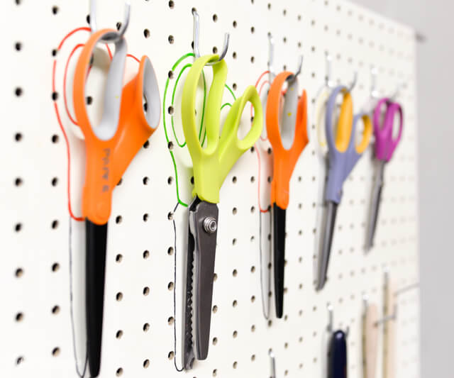 30+ BEST Garage Organization and Storage Ideas, Peg Board Organization With Outlines