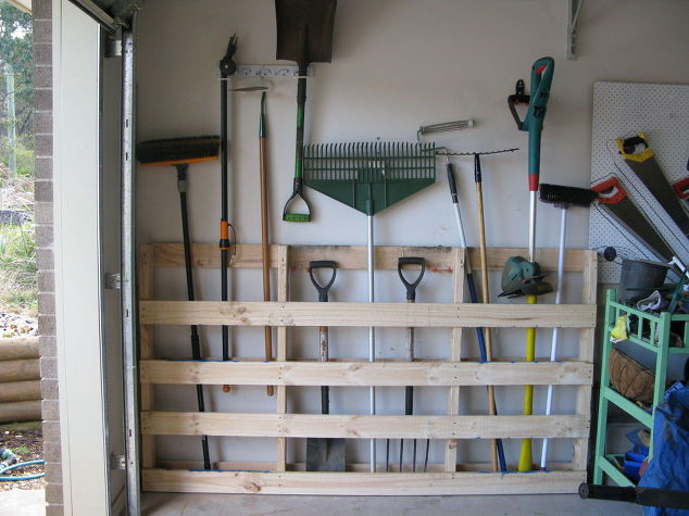 30+ BEST Garage Organization and Storage Ideas, Repurposing Old Pallet