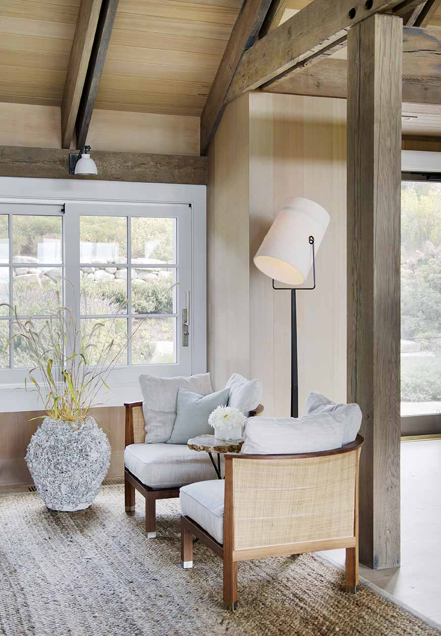 Stylish Living Spaces, Beach Barn House in Massachusetts
